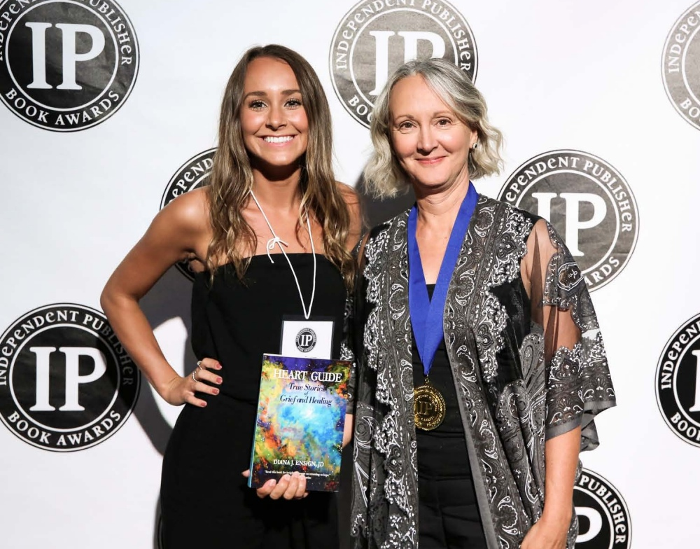Diana and daughter, Indigo Ensign, at the 2018 IPPY Awards